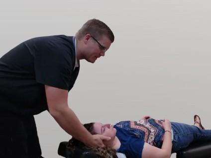 chiropractic care adjustment